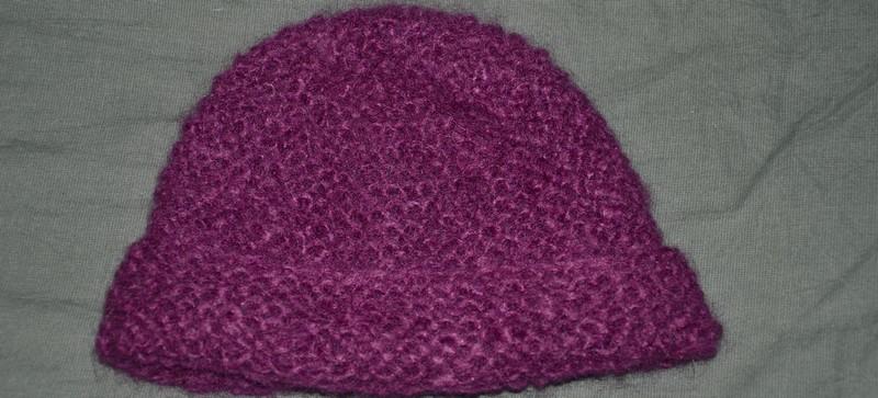 Mod le gratuit d 39 un bonnet facile des tricots tres mimie - Modele de bonnet a tricoter facile ...