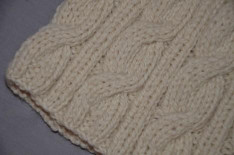 un bonnet torsades en laine mod le pas cher et laine pas ch re des tricots tres mimie. Black Bedroom Furniture Sets. Home Design Ideas