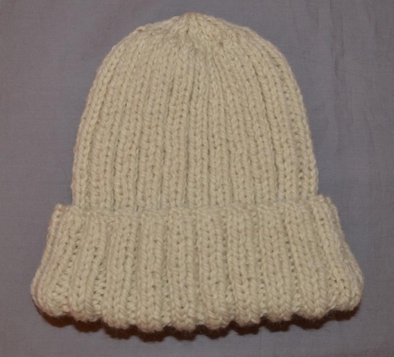 Bonnet en laine des tricots tres mimie - Modele de bonnet a tricoter facile ...
