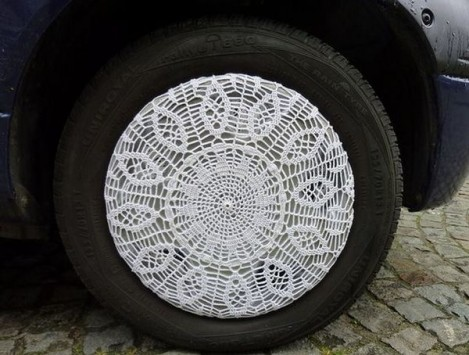 thumb-1334069071335-crochet_hubcaps